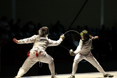 Prescod vs Kiefer in Cadet Womens Foil - From FencingPhotos.com